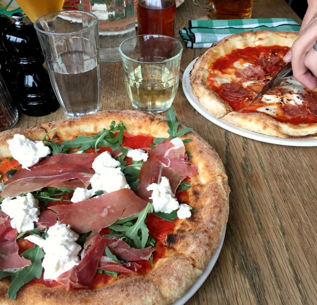 Top 5 pizza in London - Best Atmosphere