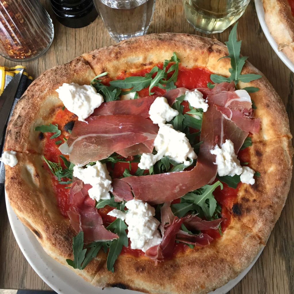 Top 5 pizza in London - Best Atmosphere