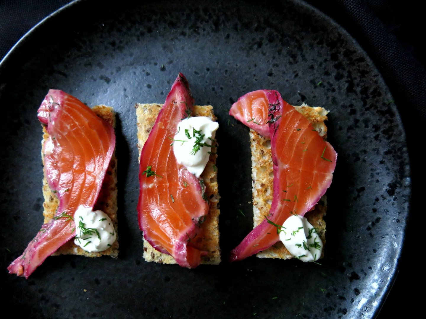 A simple and easy to follow recipe for Gin and blackberry cured salmon with horseradish crème fraîche.