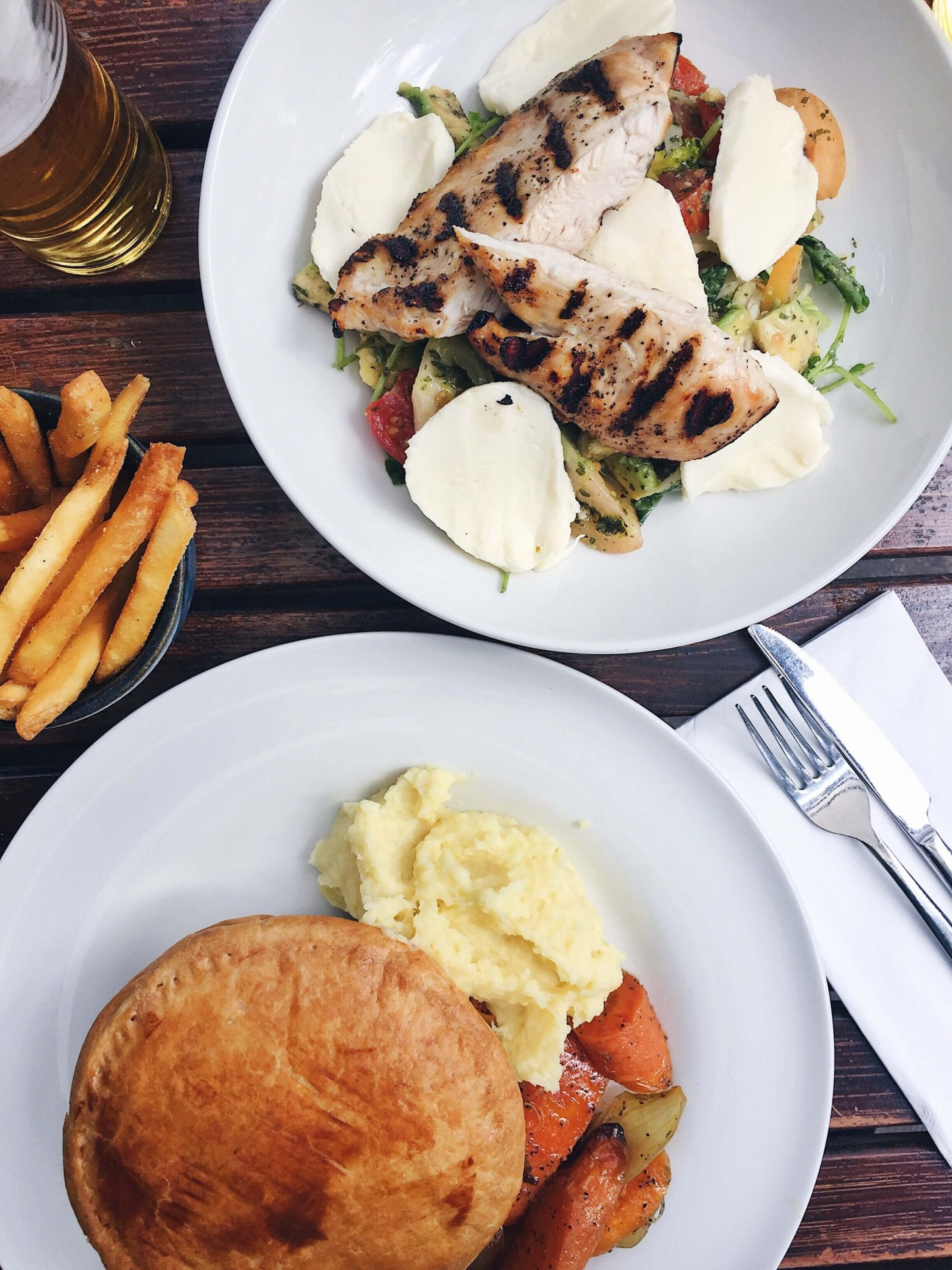 A delicious lunch at The Spaniards Inn pub on Hampstead Heath. The perfect spot for lunch after a walk!