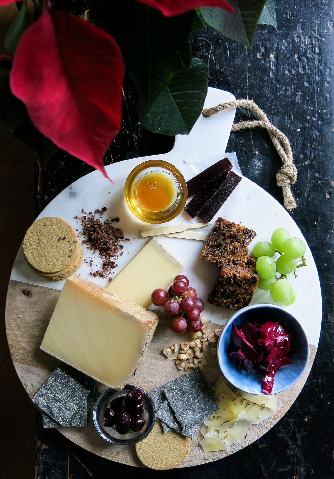 Learn top tips on how to put together the perfect Christmas cheeseboard, ready for your festive dinner party!