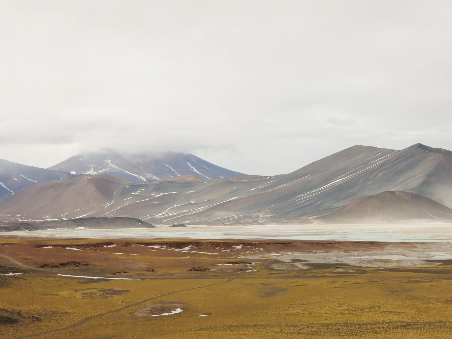 The stunning landscapes of the Atacama Desert in Chile. A review of the different Atacama Desert tours.